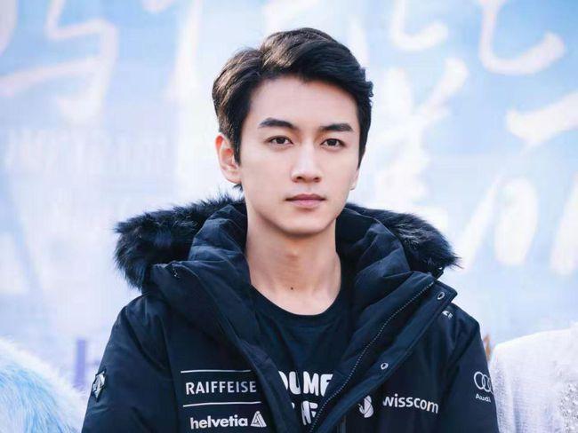 陈小春现身《传奇世界网页版》为最强队